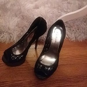 Stunning Bebe Black Lace Peep Toe Pumps 7.5